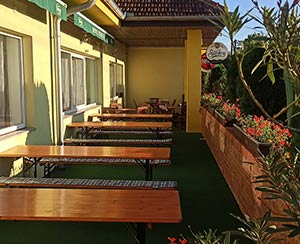 Outdoor terrace hotel Zetocha